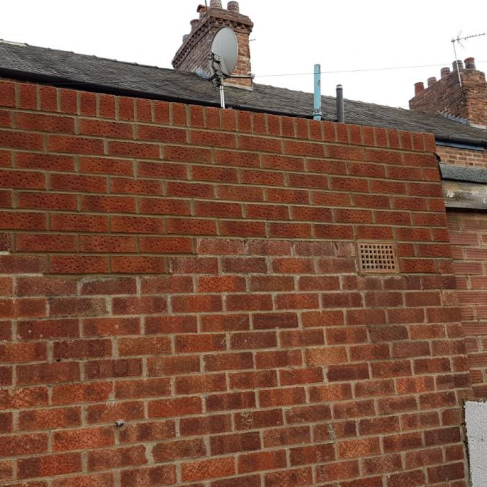 The teams have been making the most of the good weather today. Alan our top bricklayer and his team have just completed re-building these parapet walls incorporating new dpc's in anticipation of a new flat roof to be installed next week in GRP (Glass Reinforced Plastic). Well done guys, excellent work.