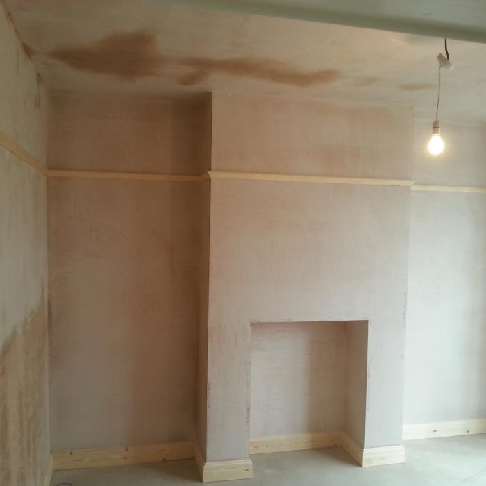 There's nothing better than seeing a job complete. Here the teams have undertaken extensive repairs to this York property involving the installation of a new damp proof course system, re-plastering all walls and ceilings, installing new floors and fitting new skirting, architraves and picture rails. Looks great.